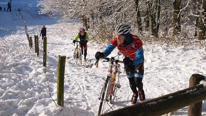 Nie marznij w stopy - wybierz ciepłe skarpety na rower